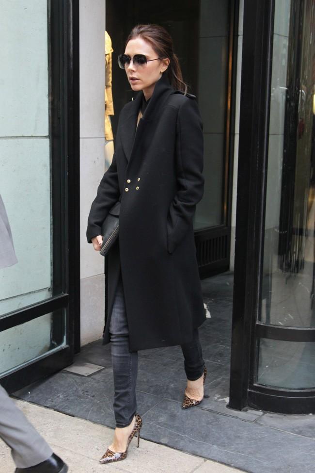 Victoria-Beckham-a-New-York-le-12-fevrier-2013_portrait_w674